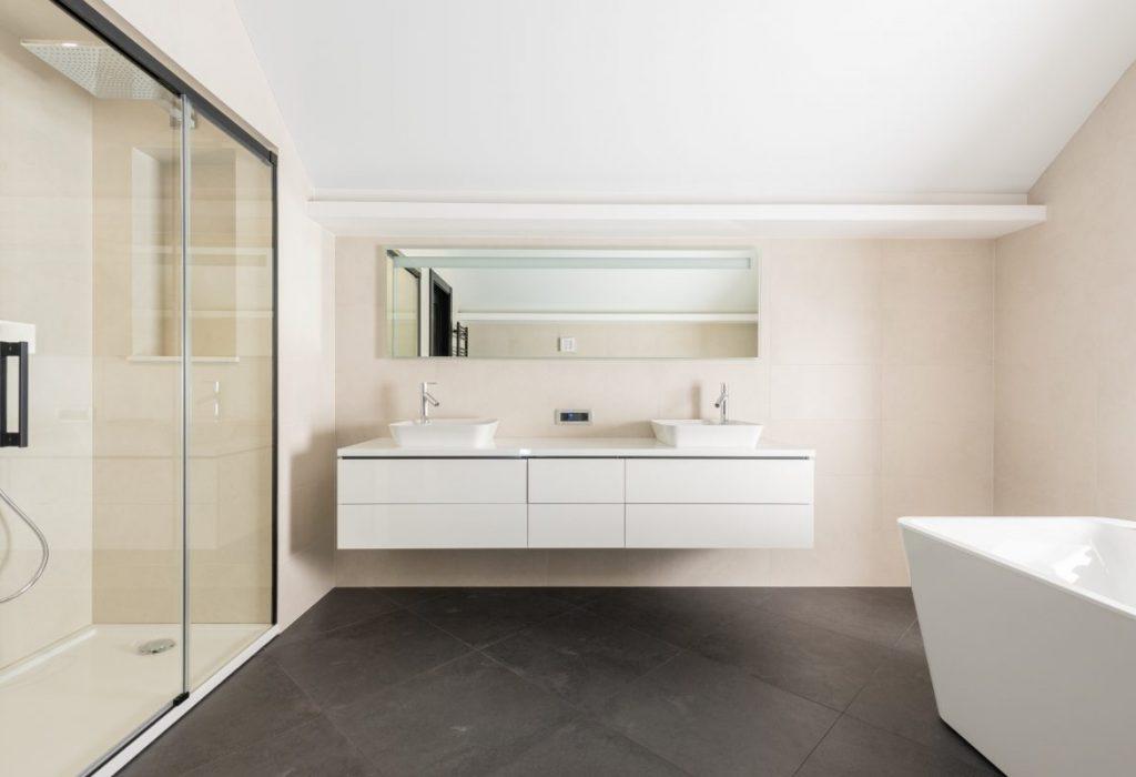 Reforma integral de un baño sin ventanas